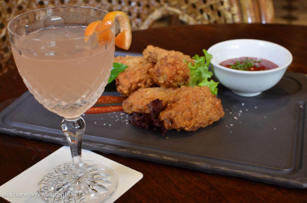 Long Bar- iconic bar at Raffles Hotel Singapore | Asia Bars