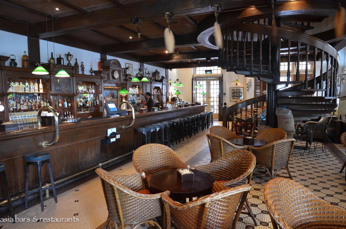 Long Bar Iconic Bar At Raffles Hotel Singapore Asia