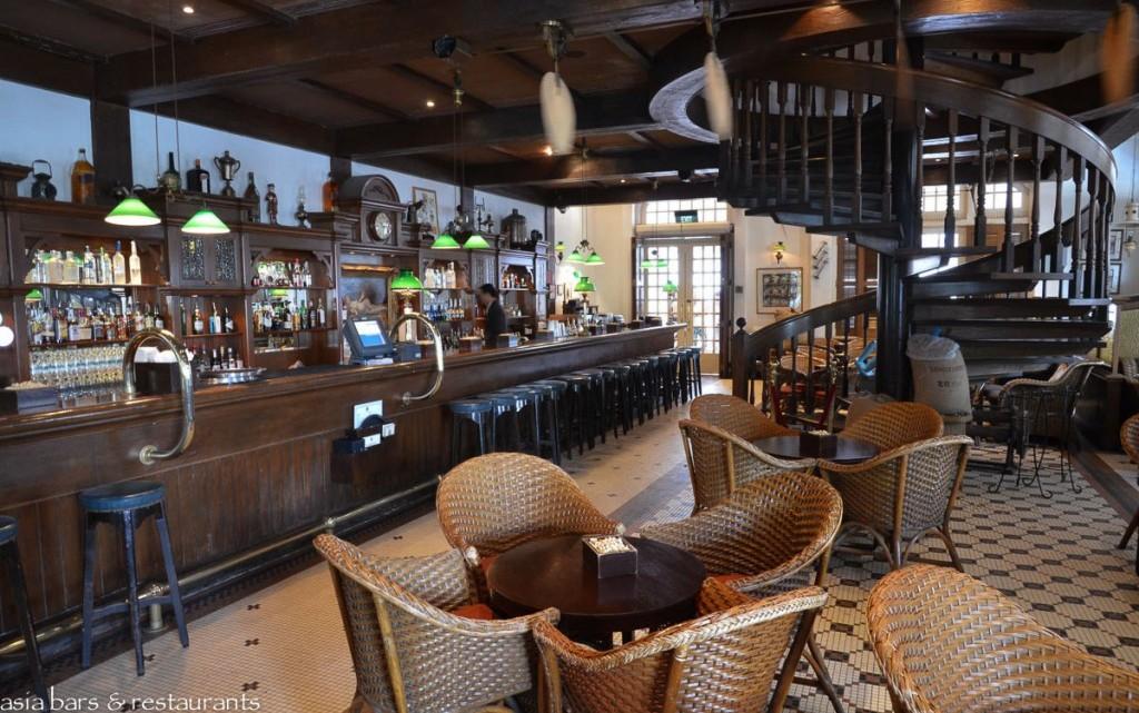 Long Bar Iconic Bar At Raffles Hotel Singapore Asia Bars Restaurants