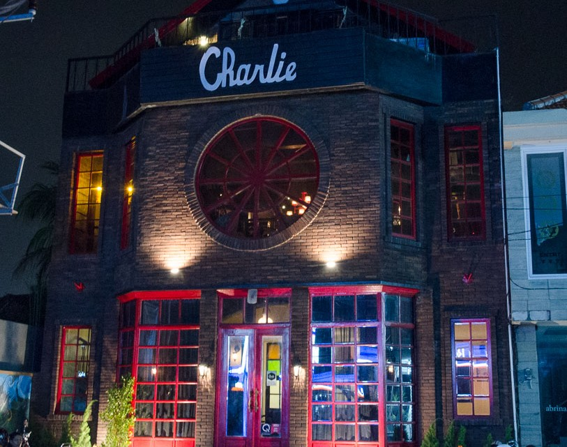 Charlie -Bali
