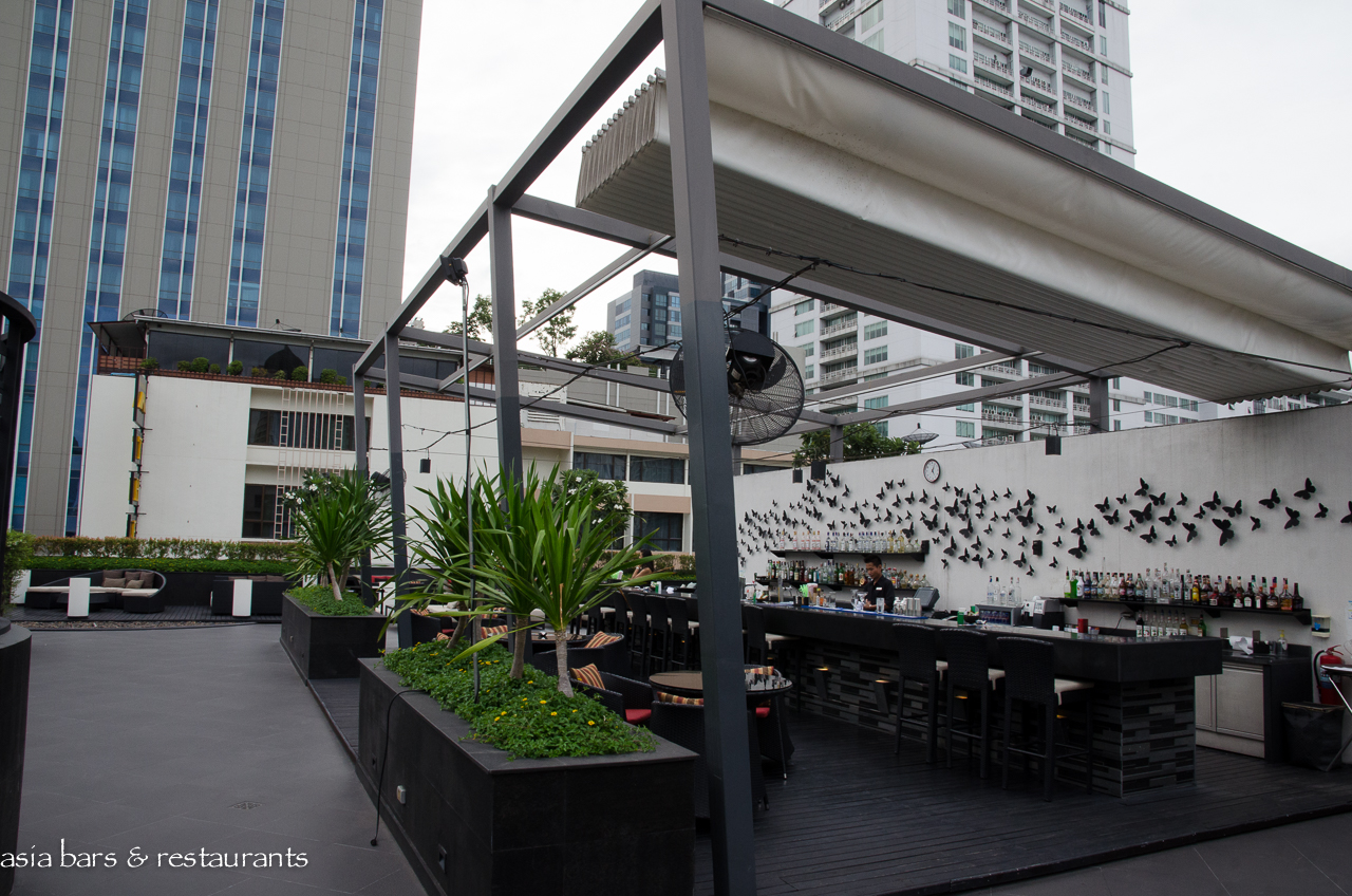 Ambar rooftop lounge bar at fourpoints by sheraton for Rooftop bar and terrace