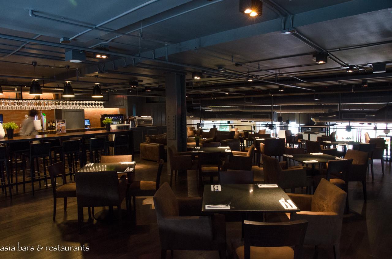 Dean & DeLuca – Bangkok flagship store at MahaNakhon Cube