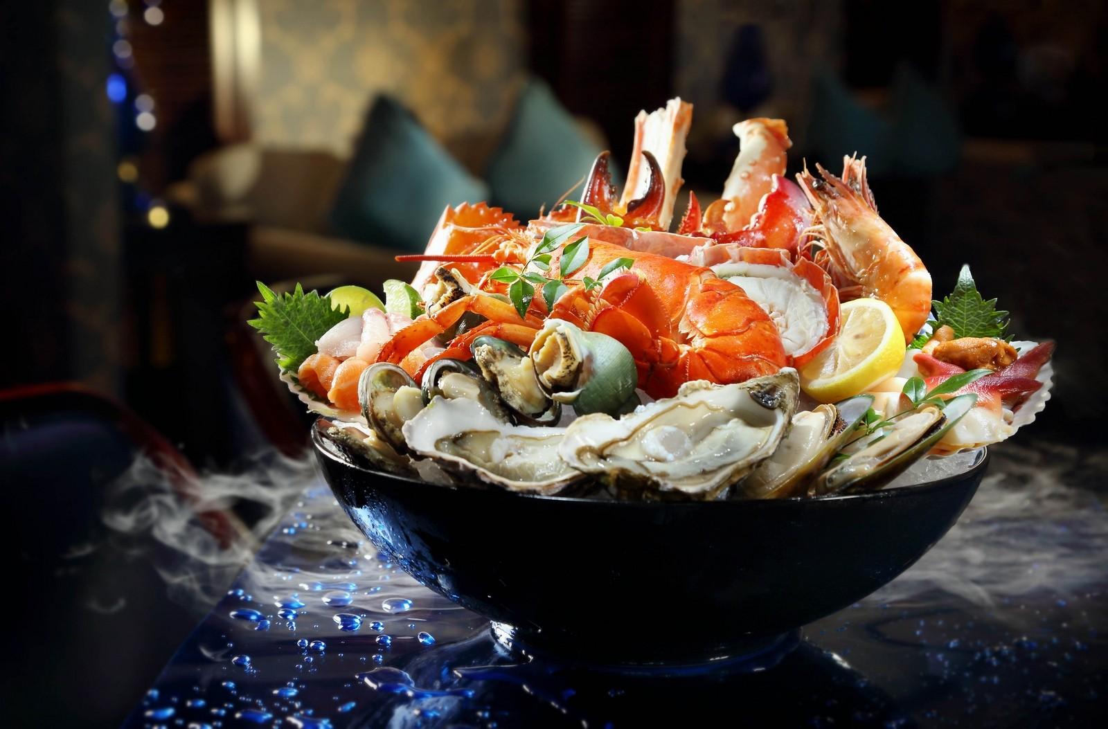 Lobster Bar and Grill – cocktail bar and seafood grill at Island Shangri-La Hong Kong | Asia ...