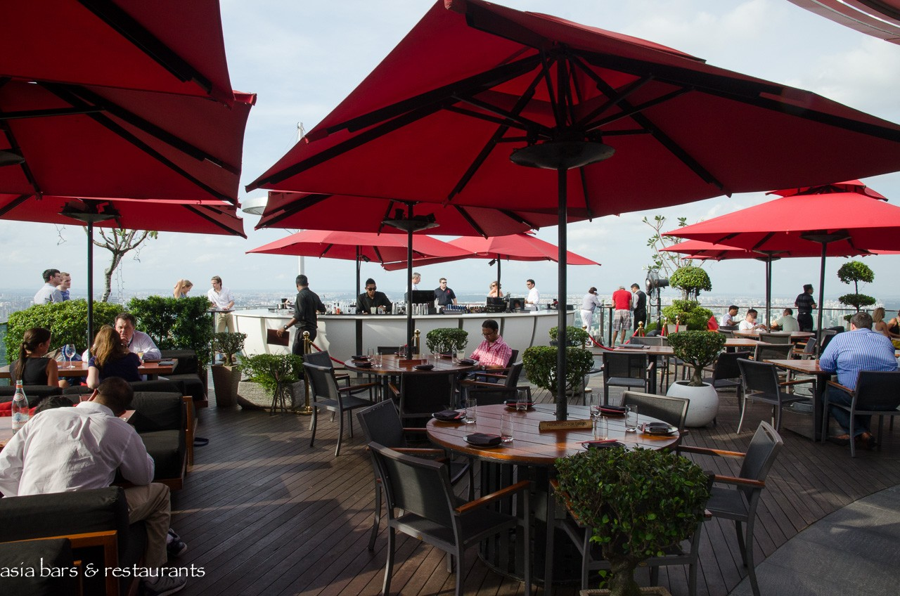 Ce La Vi Singapore Apertivo Cocktails At Rooftop Skybar