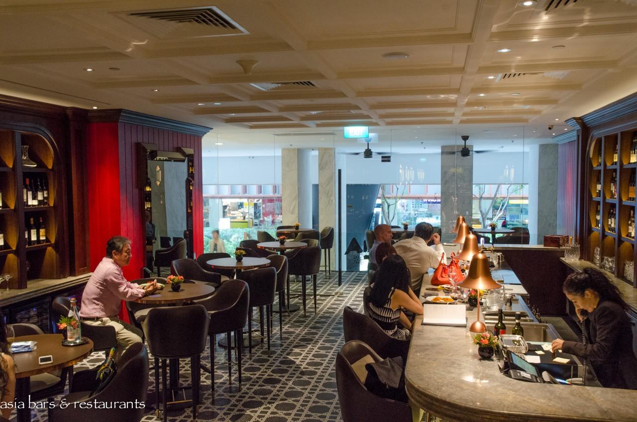 Osteria art italian restaurant bar in singapore asia for Cuisine designer italien