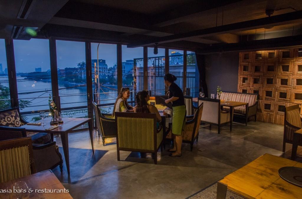 88 lounge hanoi