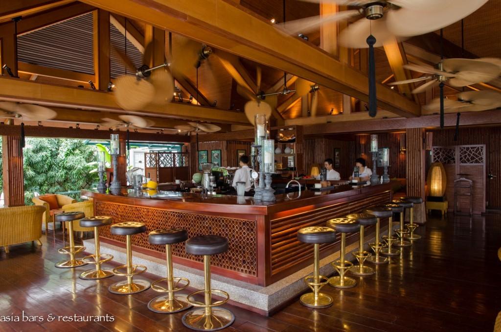 bamboo bar metropole hanoi