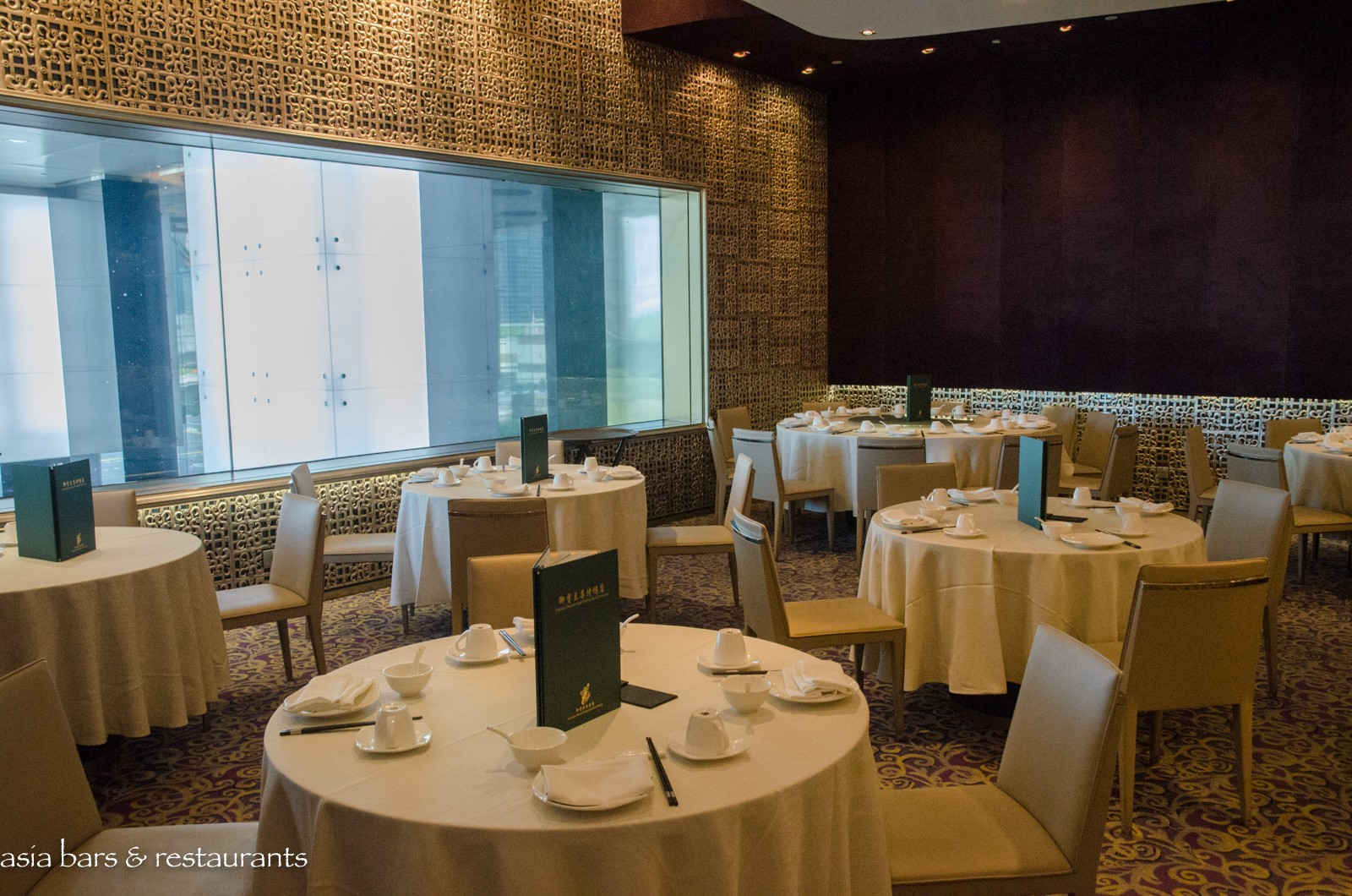 Imperial Treasure Super Peking Duck – Chinese restaurant in Singapore | Asia Bars & Restaurants