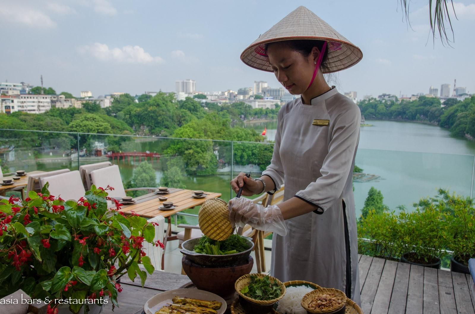 Cau Go Restaurant Vietnamese Cuisine In Hanoi Asia