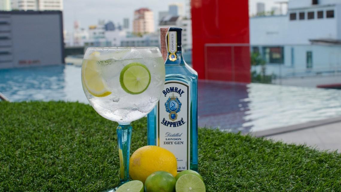 gin & tonic at ambar rooftop bar bangkok