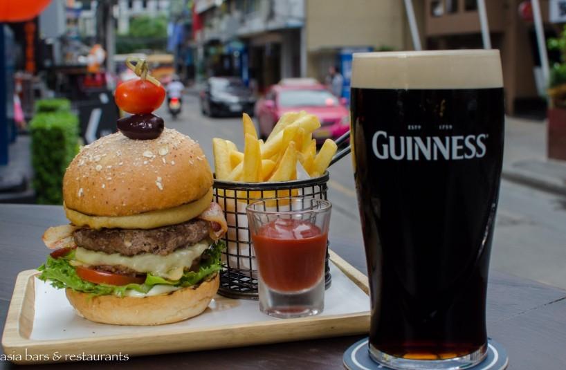 The Drunken Leprechaun - Irish Pub in Bangkok