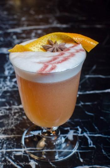 uncle cocktail bar -thonglor