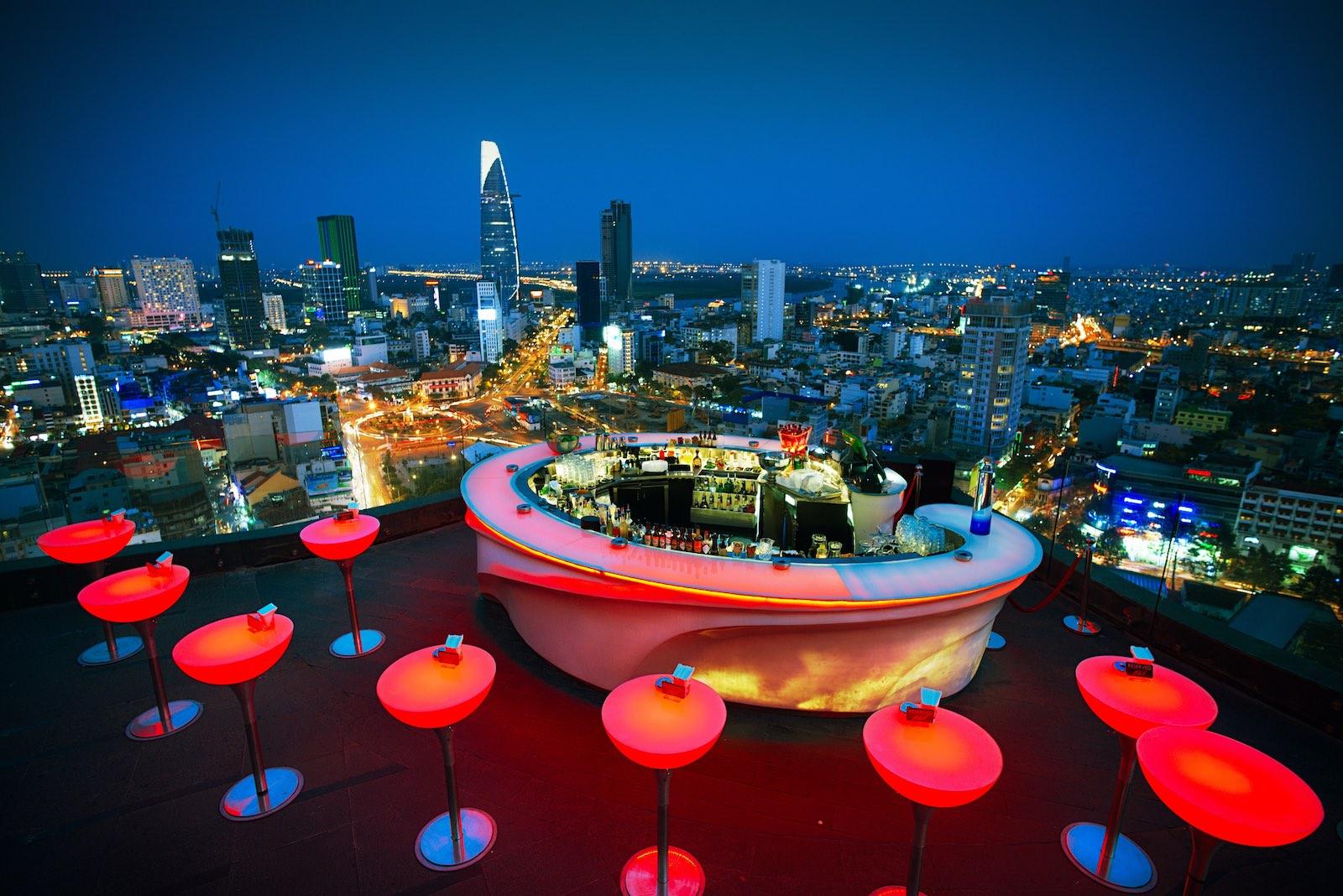 Chill Skybar & Chill Dining – rooftop bar – club – restaurant in Saigon - Asia Bars & Restaurants